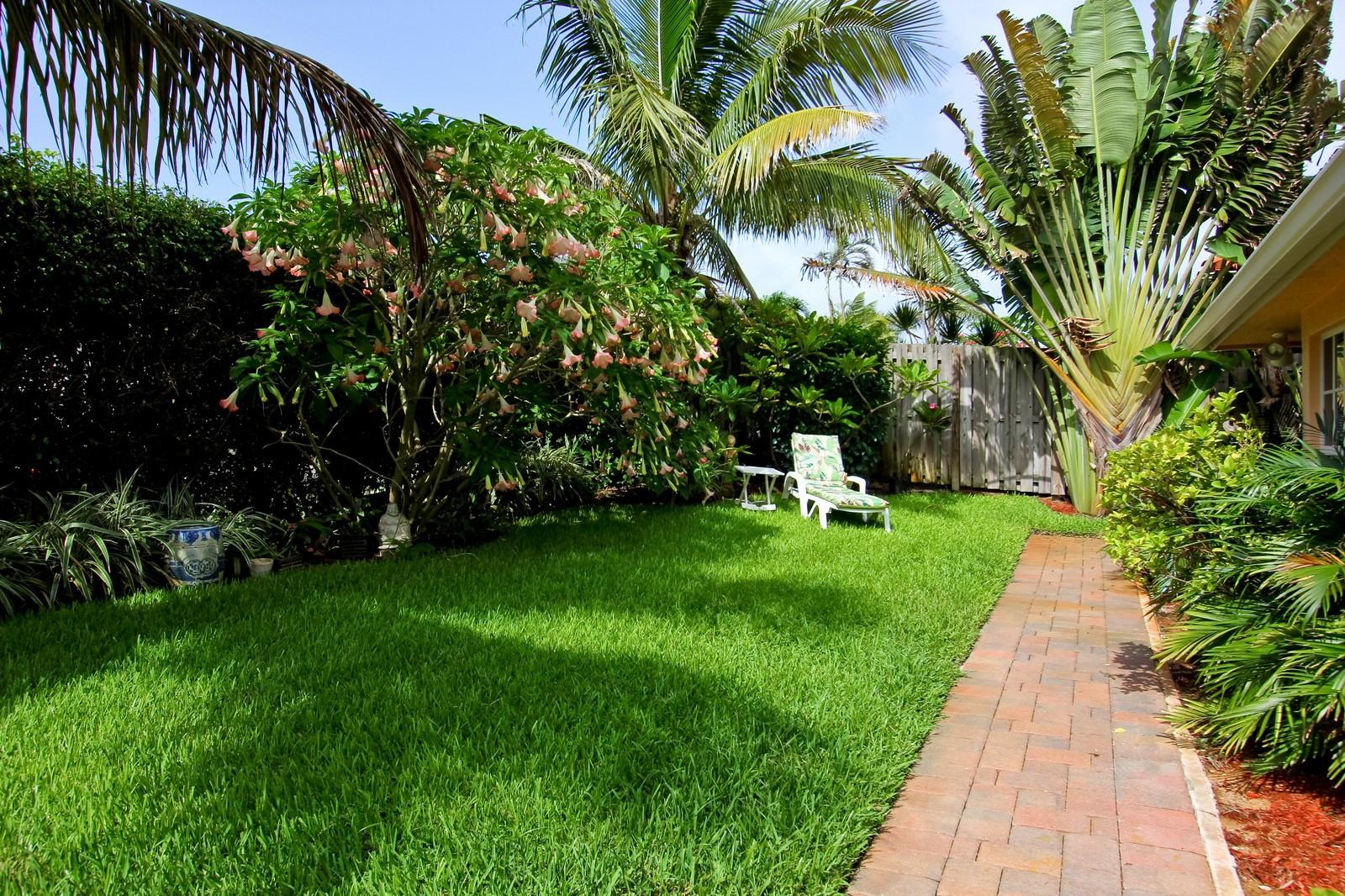 Real Estate Photography - 430 N. Lyra Circle, Juno Beach, FL, 33408 - Back Yard