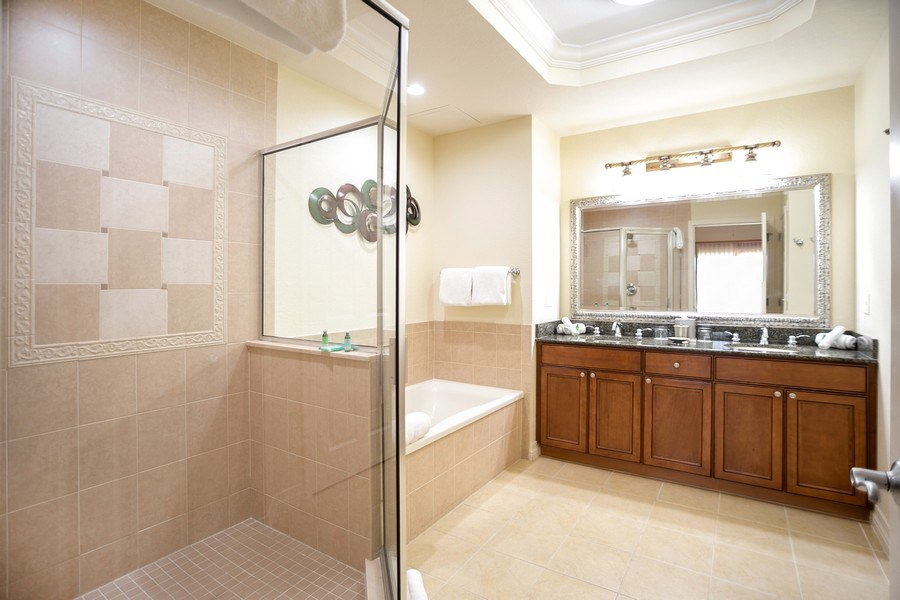 Real Estate Photography - 7601 Cabana Ct Unit 401, Reunion, FL, 34747 - Master Bathroom