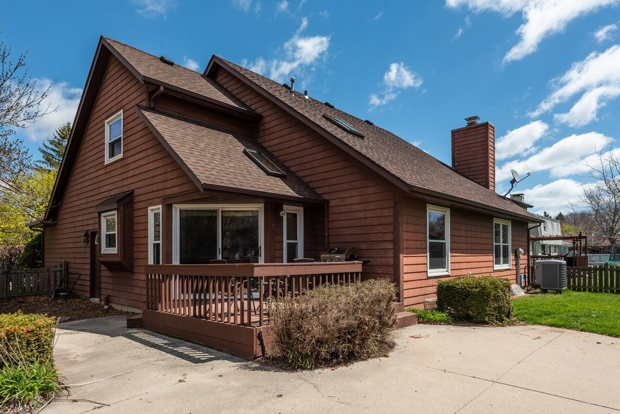 Real Estate Photography - 3815 Michigan Avenue, Manitowoc, WI, 54220 - Side View