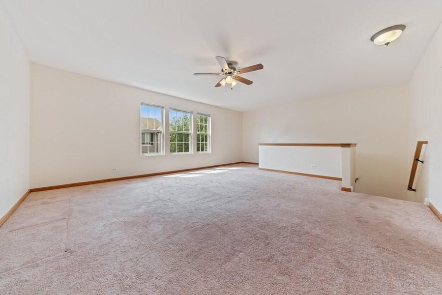 Real Estate Photography - 131 Springbrook Trail South, Oswego, IL, 60543 - Loft