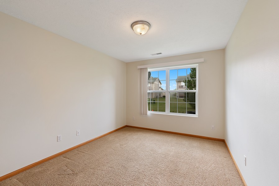 Real Estate Photography - 949 Penny Ln, Sycamore, IL, 60178 - 2nd Bedroom