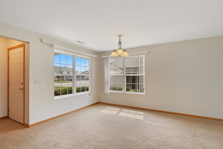 Real Estate Photography - 949 Penny Ln, Sycamore, IL, 60178 - Dining Area