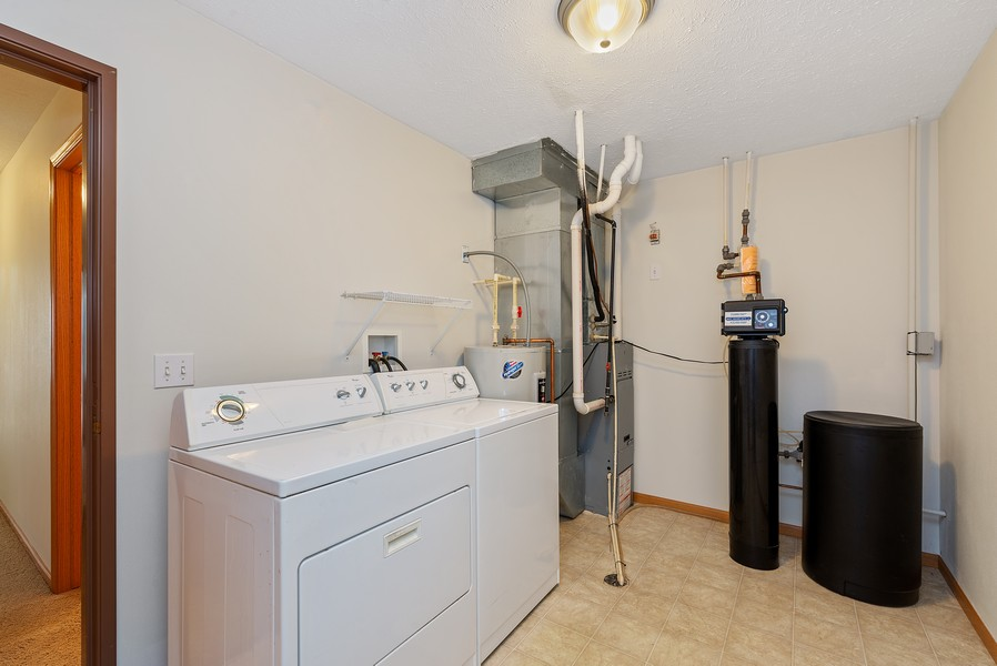 Real Estate Photography - 949 Penny Ln, Sycamore, IL, 60178 - Laundry Room