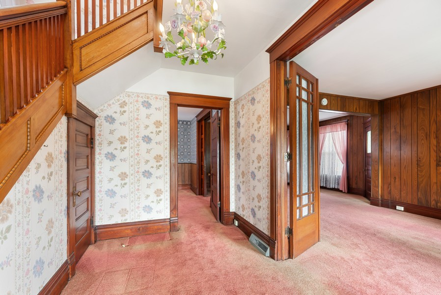 Real Estate Photography - 715 W State St, Sycamore, IL, 60178 - Foyer/Living Room