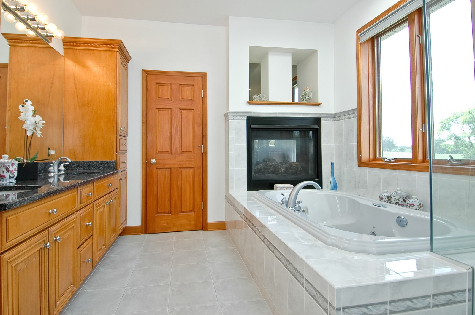 Real Estate Photography - 6513 Sweet Bay Drive, McHenry, IL, 60050 - Master Bathroom