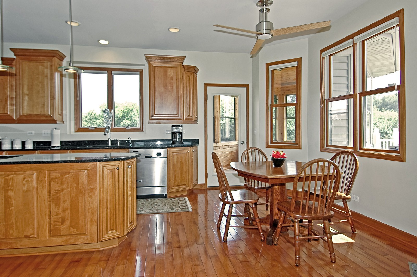 Real Estate Photography - 6513 Sweet Bay Drive, McHenry, IL, 60050 - Breakfast Nook