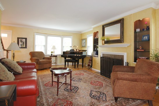Real Estate Photography - 793 Forest Ave, Glen Ellyn, IL, 60137 - Living Room