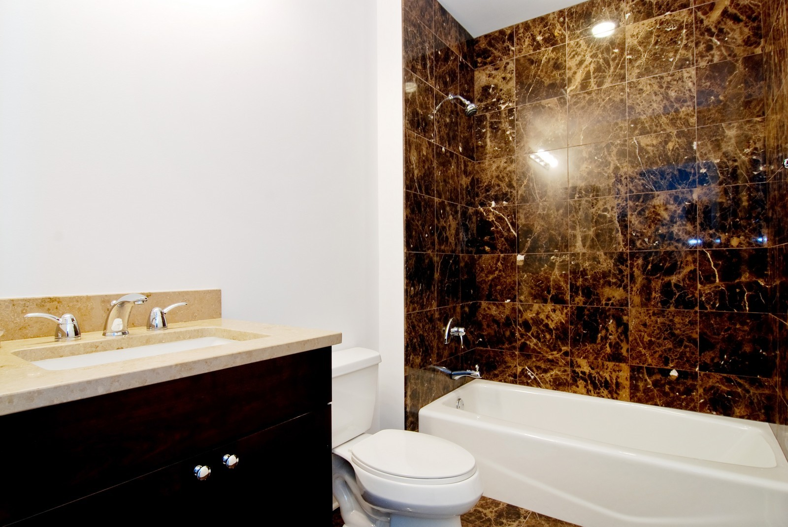 Real Estate Photography - 1211 S Prairie, 4001, Chicago, IL, 60605 - 3rd Bathroom