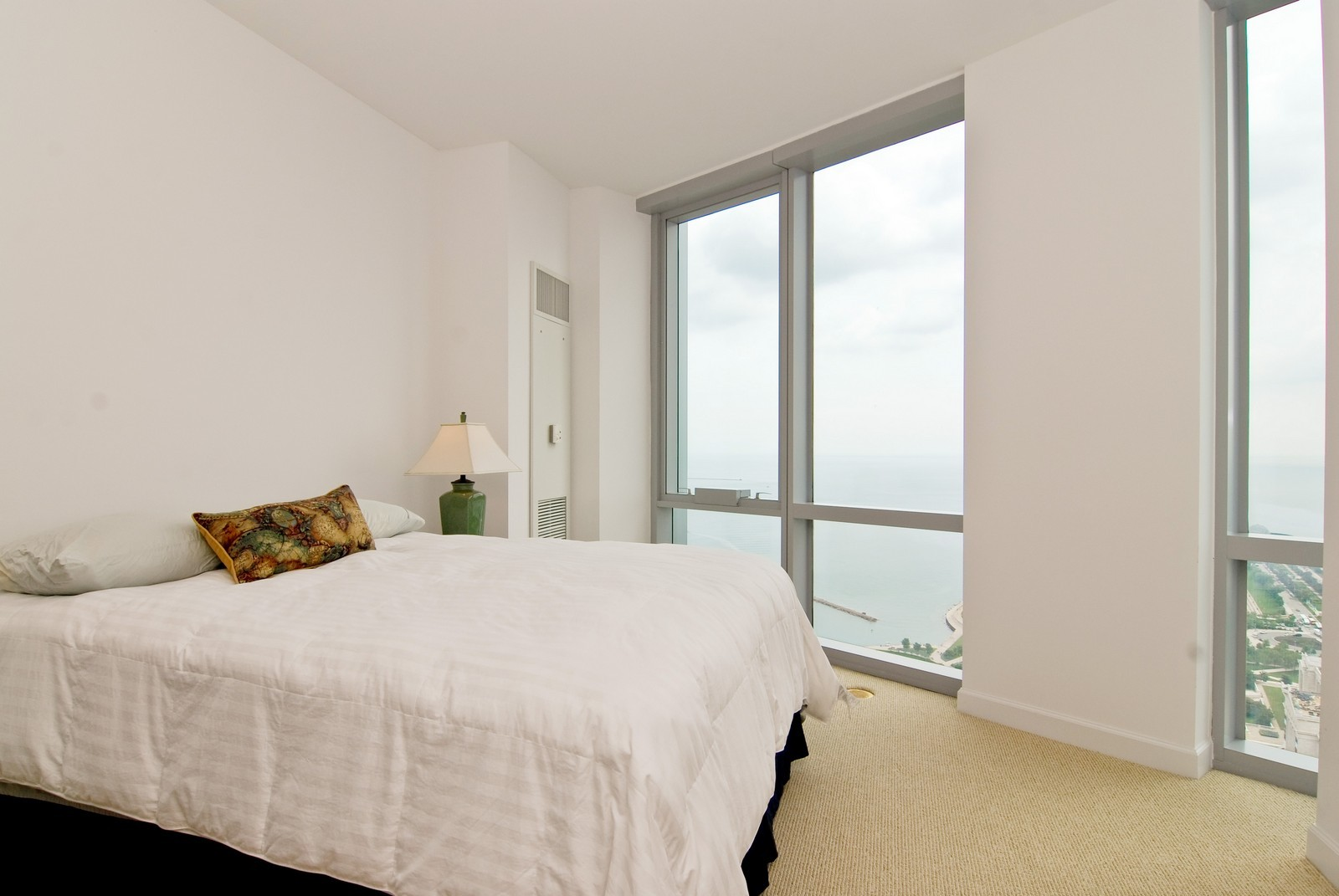 Real Estate Photography - 1211 S Prairie, 4001, Chicago, IL, 60605 - 2nd Bedroom