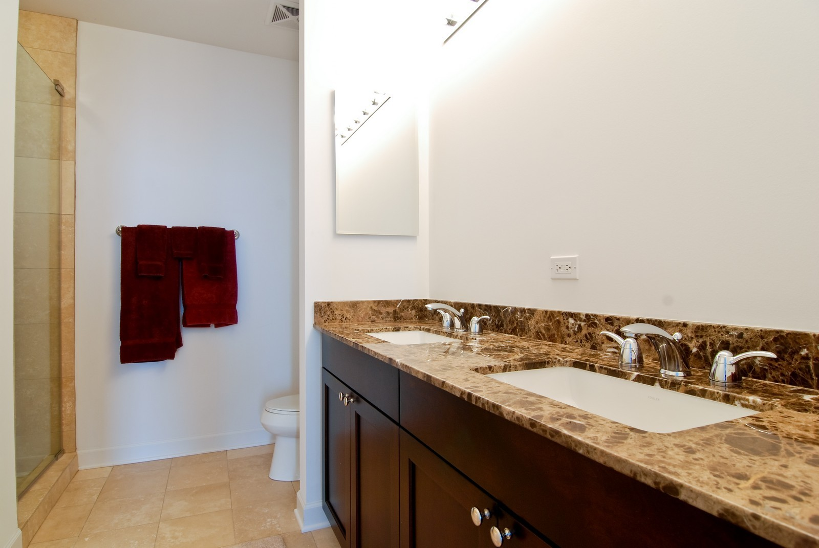 Real Estate Photography - 1211 S Prairie, 4001, Chicago, IL, 60605 - 2nd Bathroom