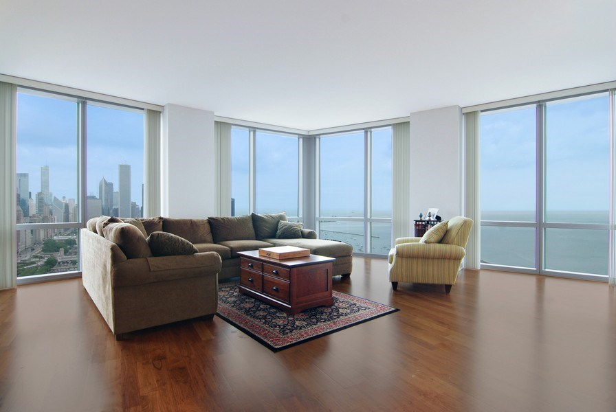 Real Estate Photography - 1211 S Prairie, 4001, Chicago, IL, 60605 - Living Room