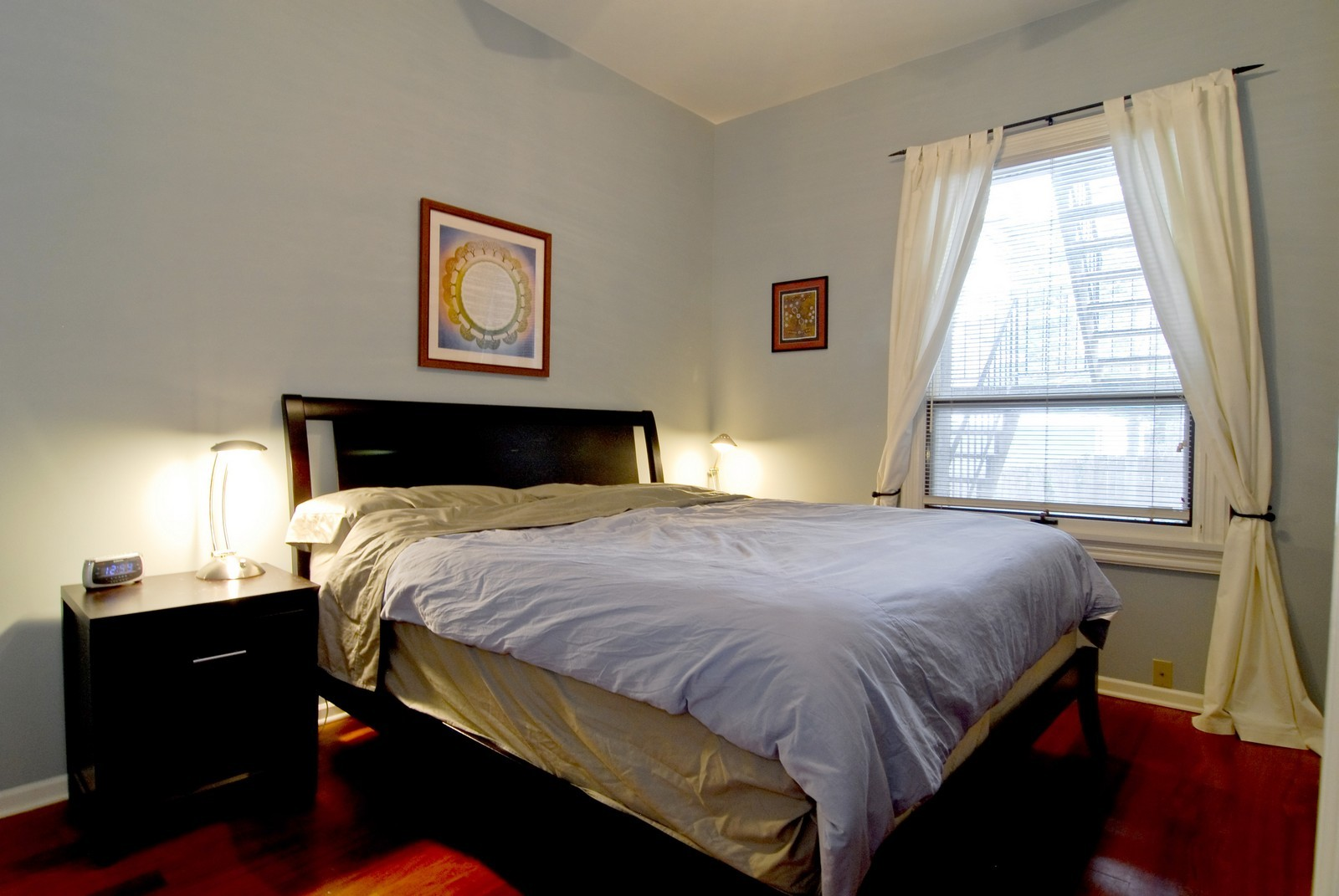 Real Estate Photography - 2646 N Seminary, Unit 1, Chicago, IL, 60614 - Master Bedroom