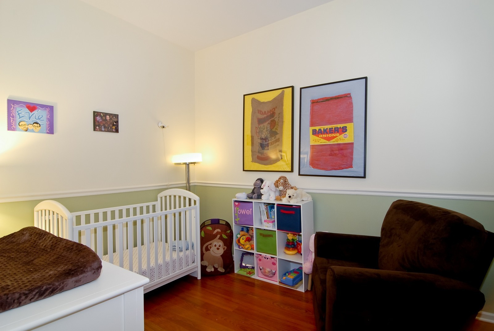 Real Estate Photography - 2646 N Seminary, Unit 1, Chicago, IL, 60614 - 2nd bedroom