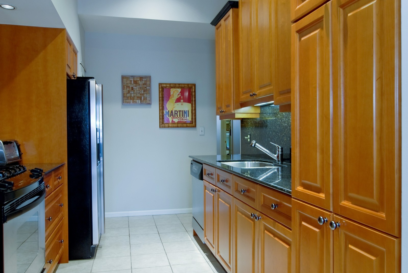 Real Estate Photography - 2646 N Seminary, Unit 1, Chicago, IL, 60614 - Kitchen