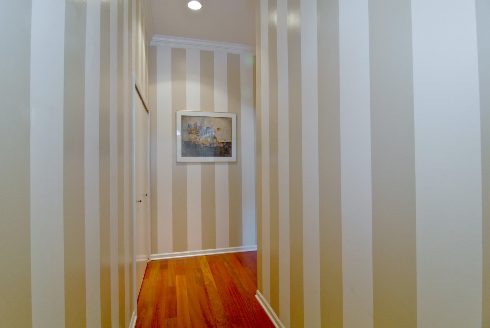 Real Estate Photography - 2646 N Seminary, Unit 1, Chicago, IL, 60614 - Foyer