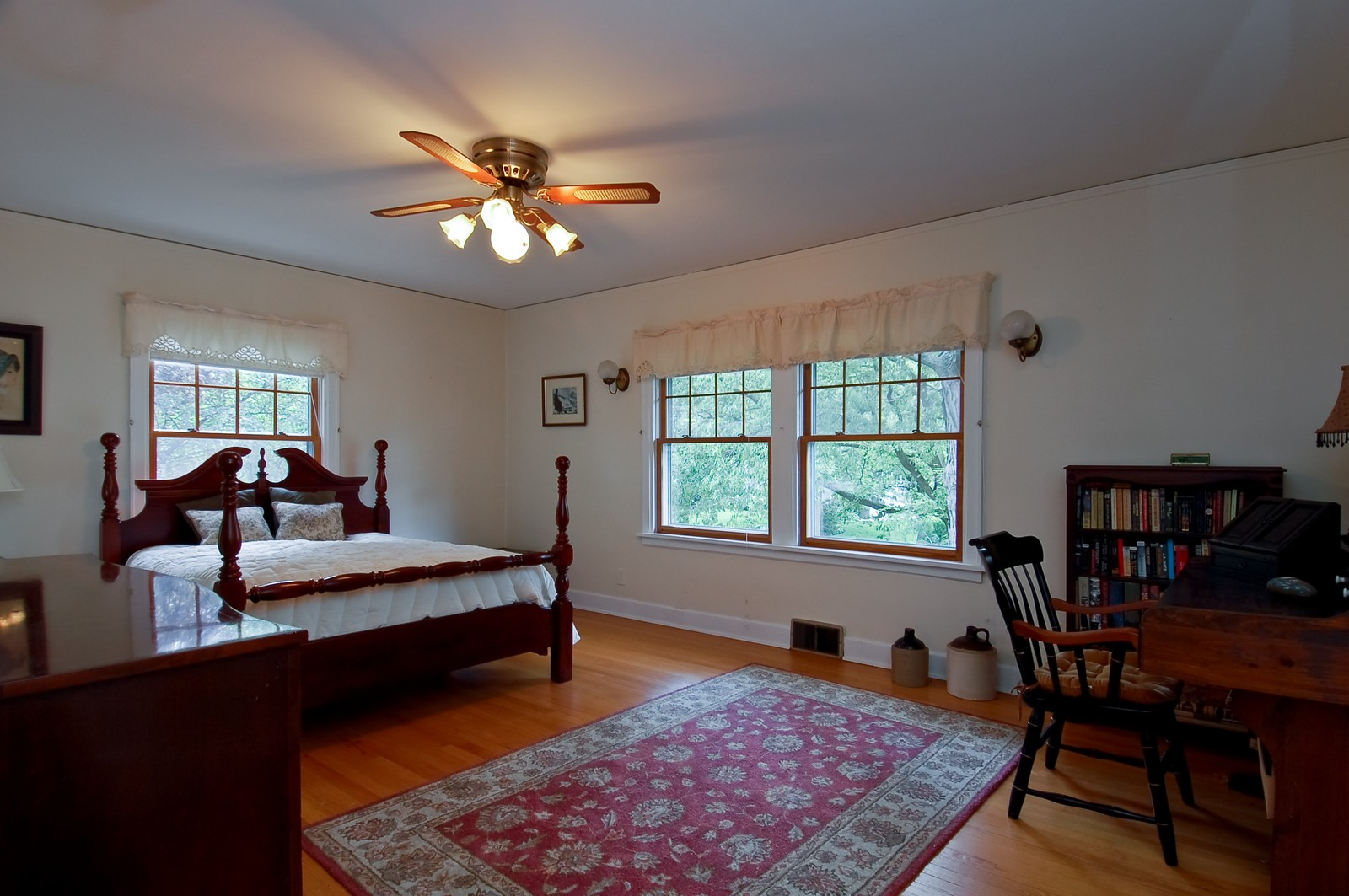 Real Estate Photography - 4325 Central Ave, Western Springs, IL, 60558 - 2nd Bedroom