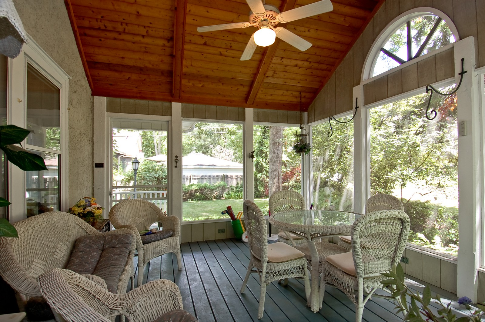 Real Estate Photography - 4325 Central Ave, Western Springs, IL, 60558 - Porch