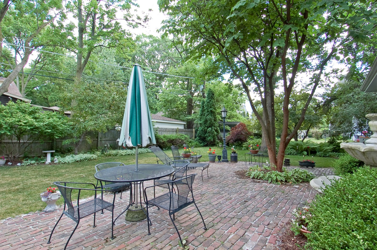 Real Estate Photography - 4325 Central Ave, Western Springs, IL, 60558 - Patio