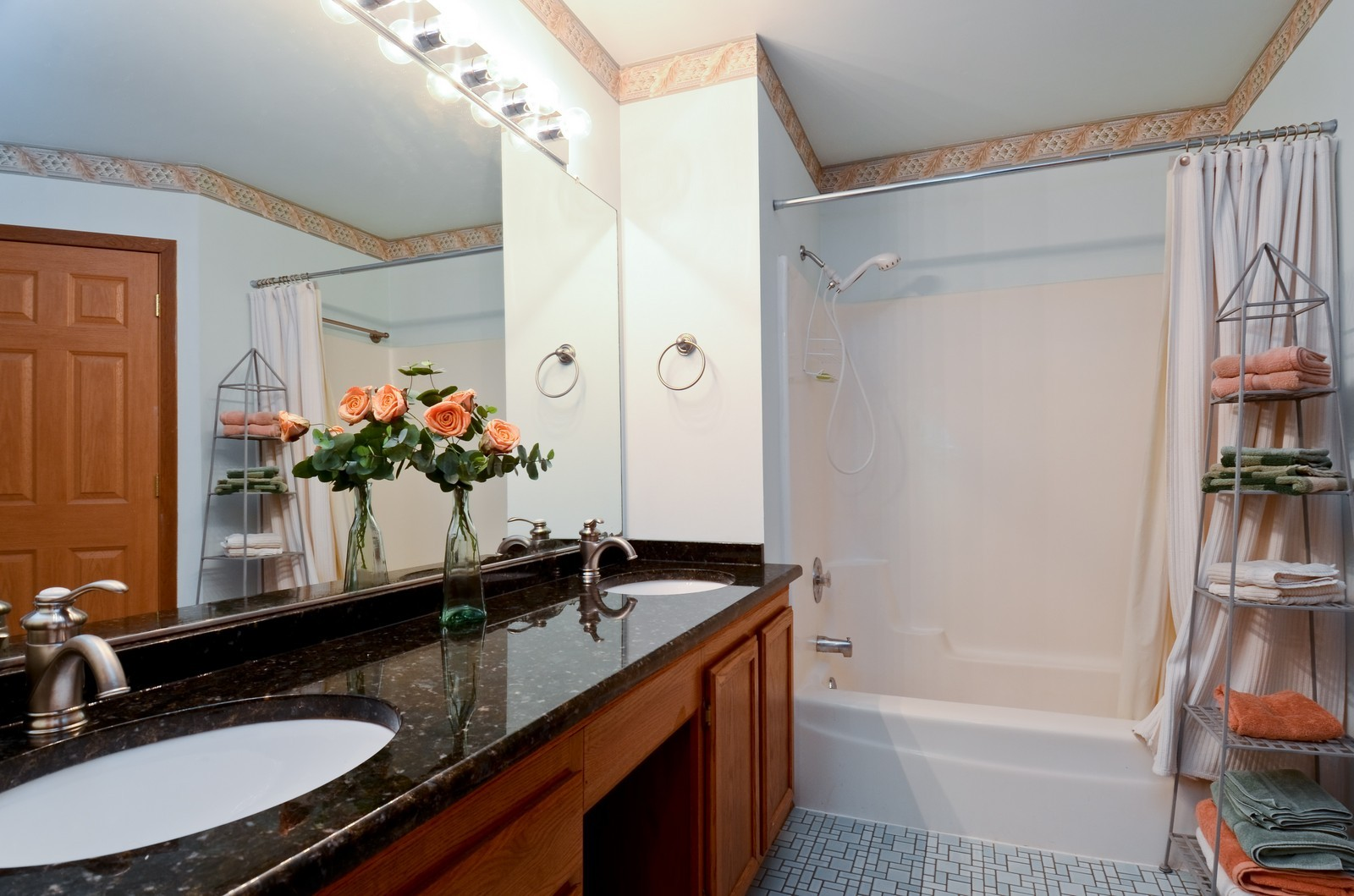 Real Estate Photography - 0S764 Jefferson Ct, Winfield, IL, 60190 - Master Bathroom