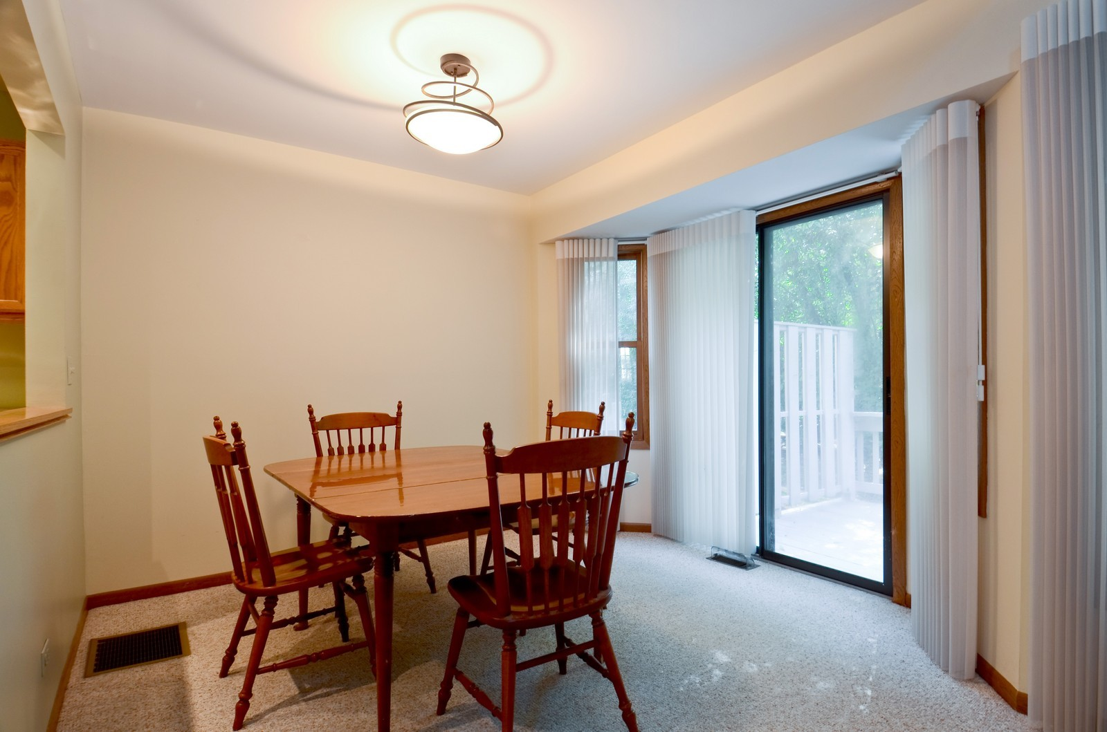 Real Estate Photography - 0S764 Jefferson Ct, Winfield, IL, 60190 - Dining Room