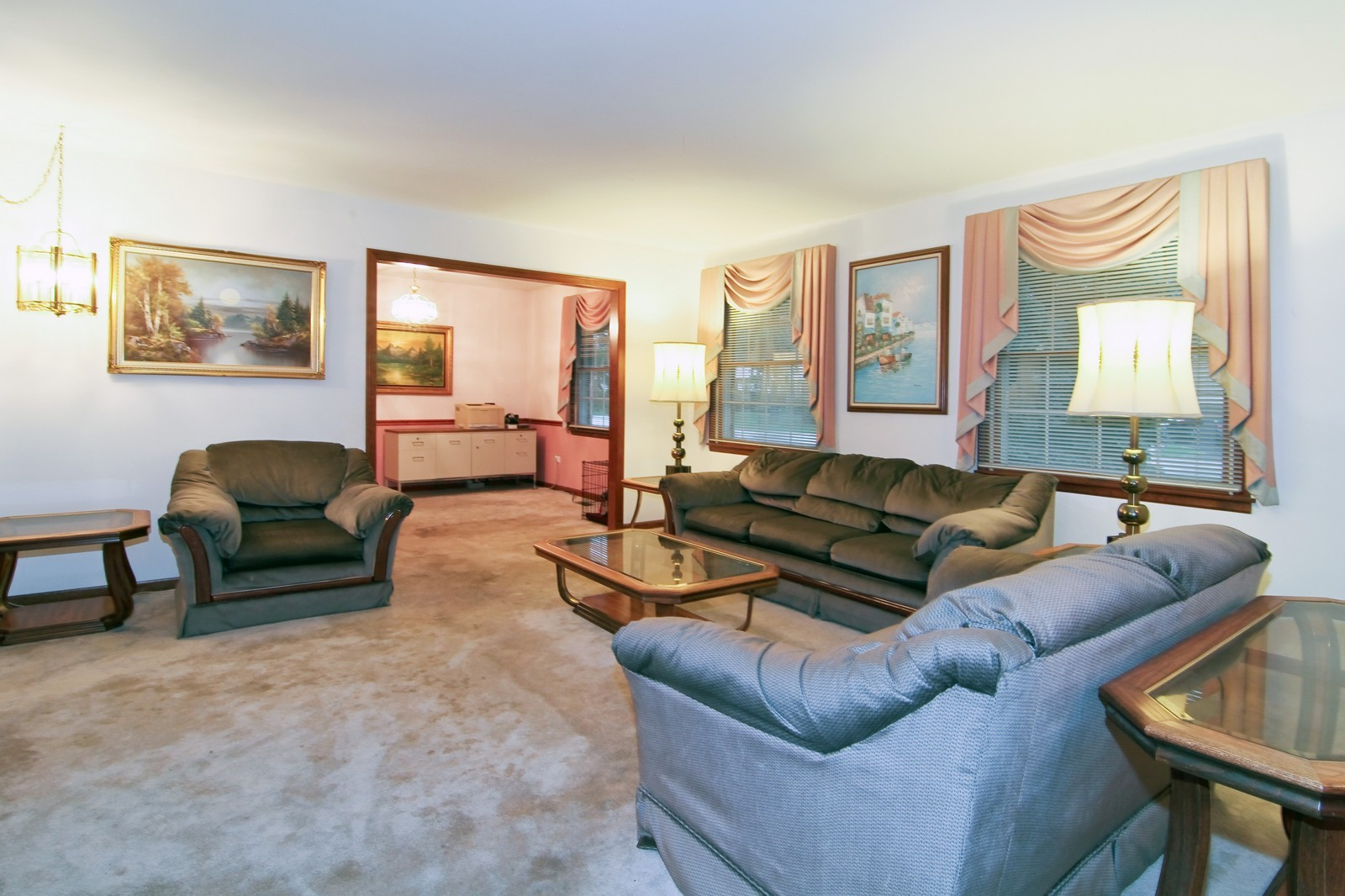 Real Estate Photography - 6200 Janes Ave, Downers Grove, IL, 60516 - Living Room