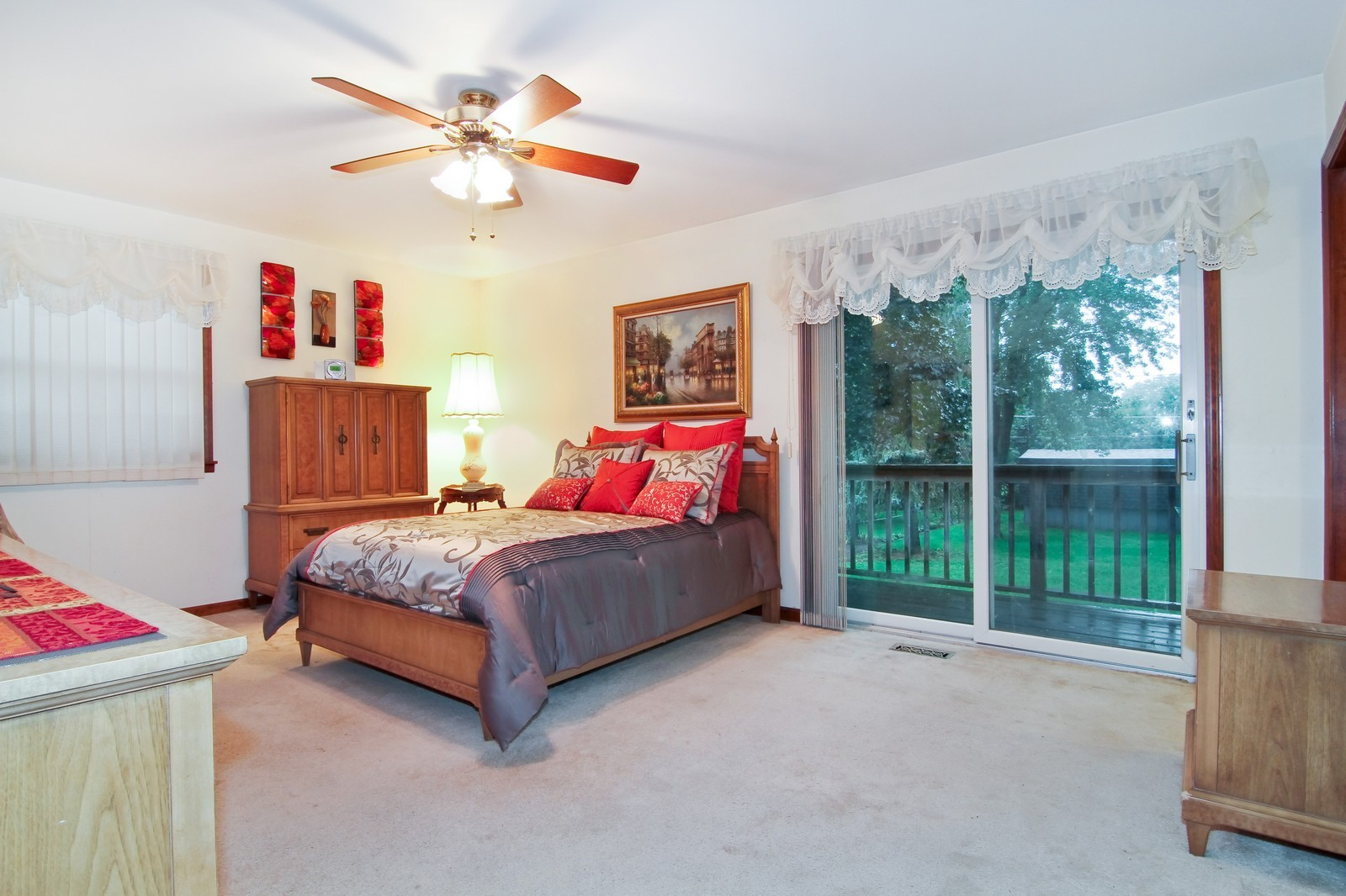 Real Estate Photography - 6200 Janes Ave, Downers Grove, IL, 60516 - Bedroom