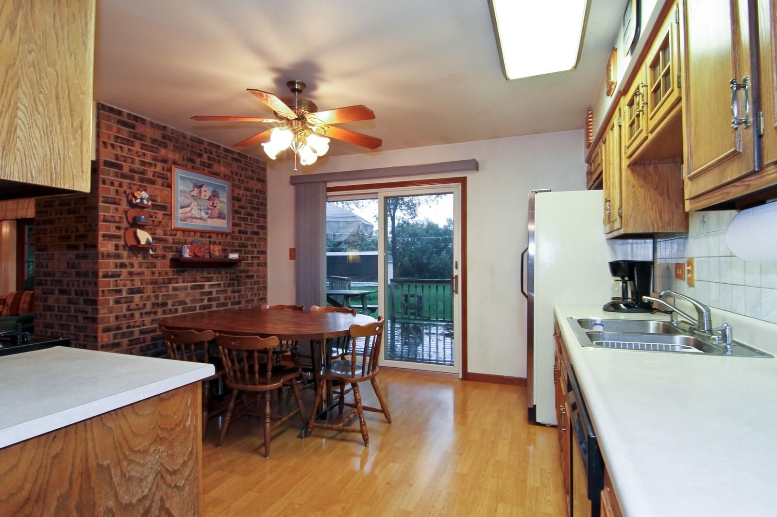 Real Estate Photography - 6200 Janes Ave, Downers Grove, IL, 60516 - Kitchen