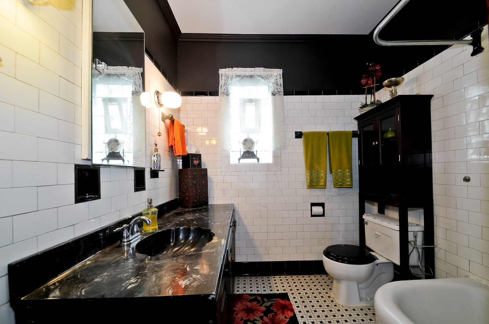 Real Estate Photography - 5749 W Manton, Chicago, IL, 60646 - Bathroom