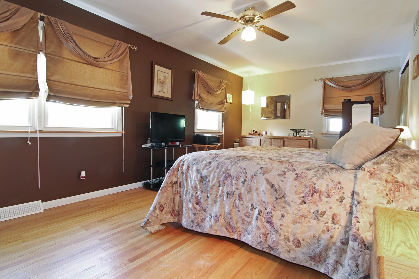 Real Estate Photography - 632 S. Lalonde Ave, Lombard, IL, 60148 - Master Bedroom