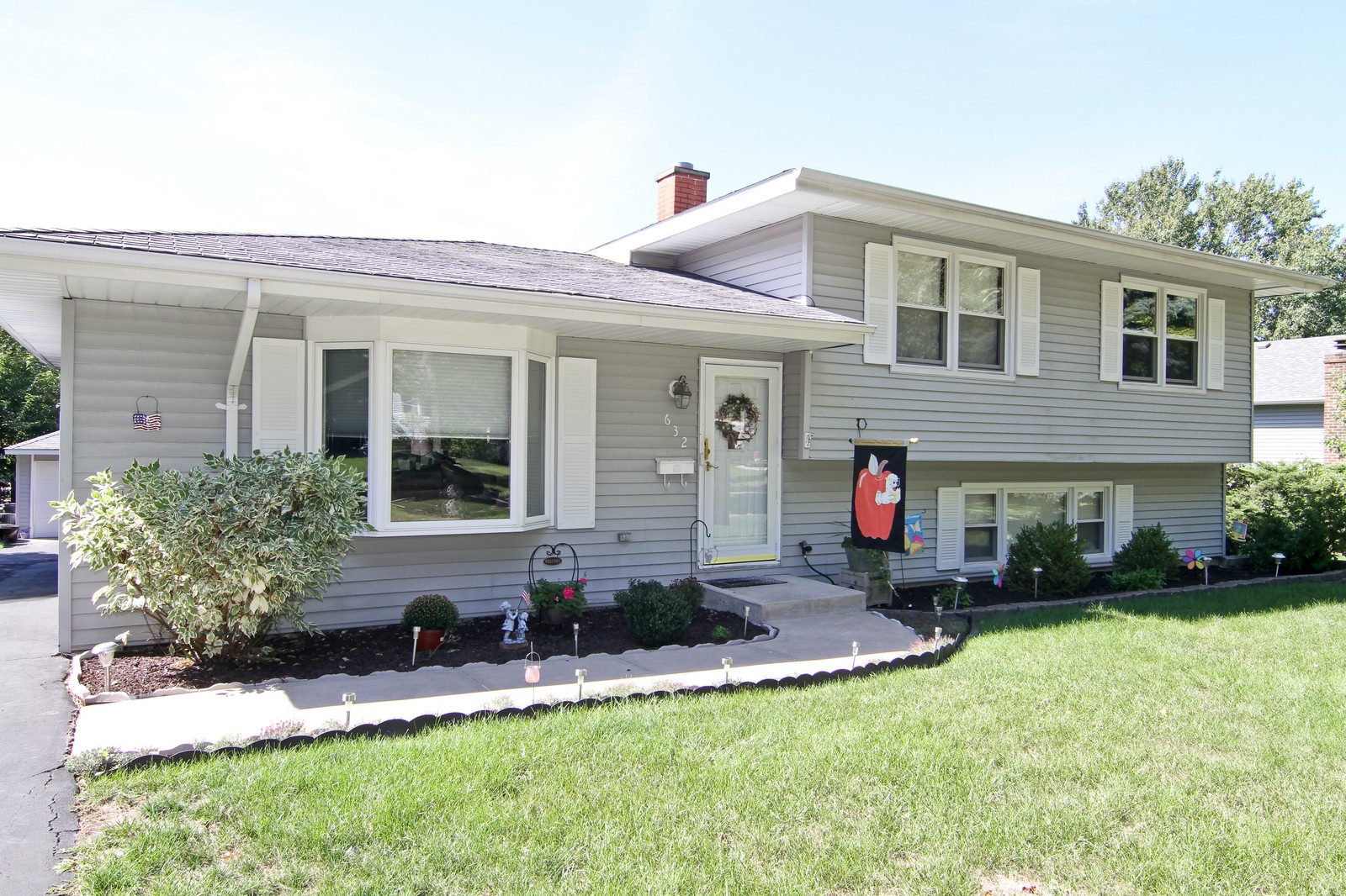 Real Estate Photography - 632 S. Lalonde Ave, Lombard, IL, 60148 - Front View