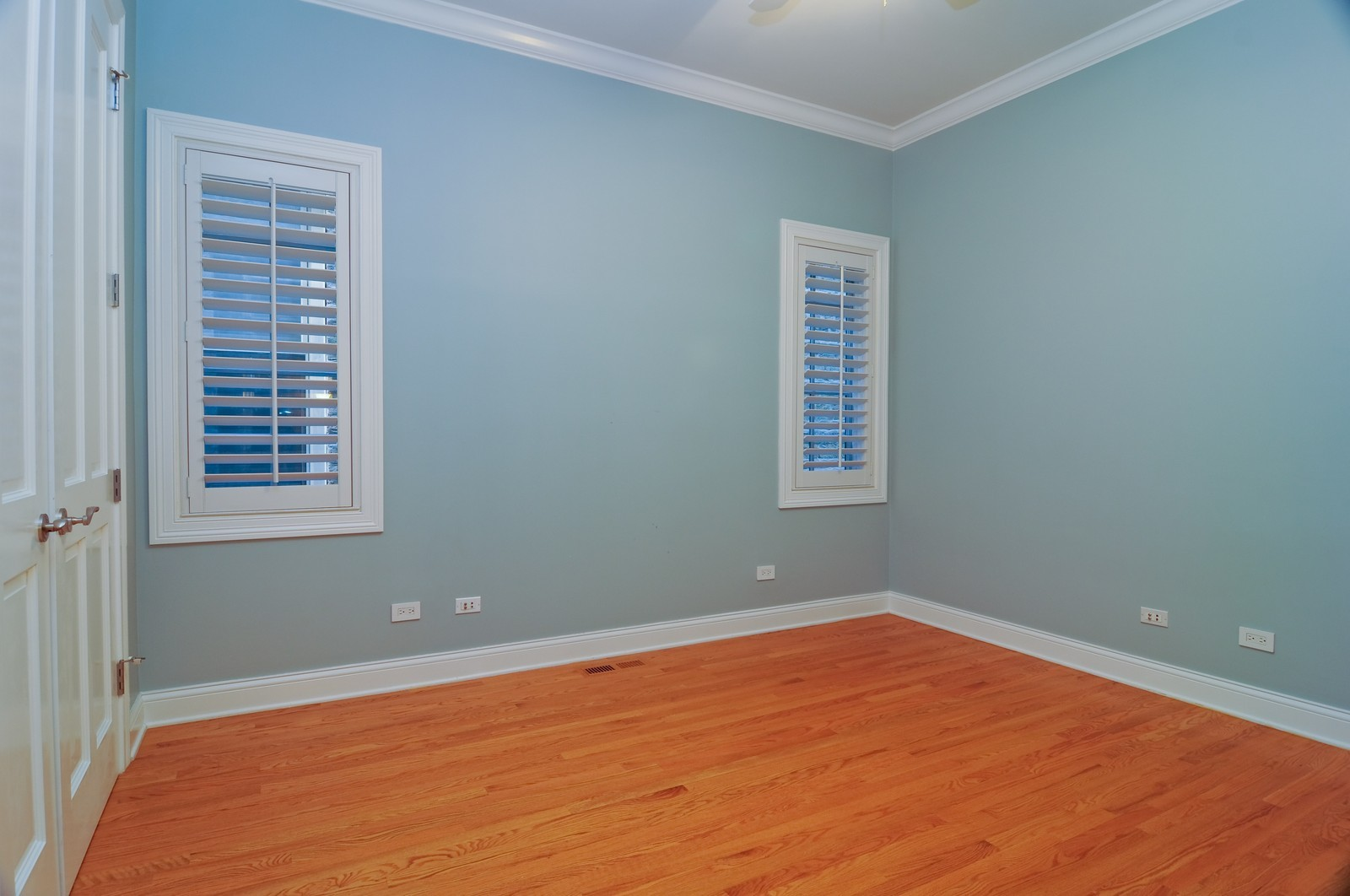 Real Estate Photography - 2247 N Clifton, Chicago, IL, 60614 - 2nd Bedroom