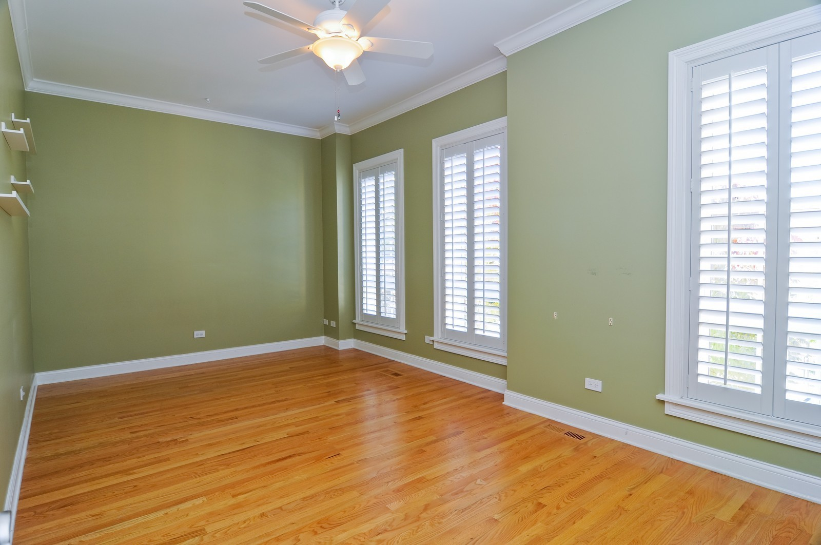 Real Estate Photography - 2247 N Clifton, Chicago, IL, 60614 - 3rd Bedroom