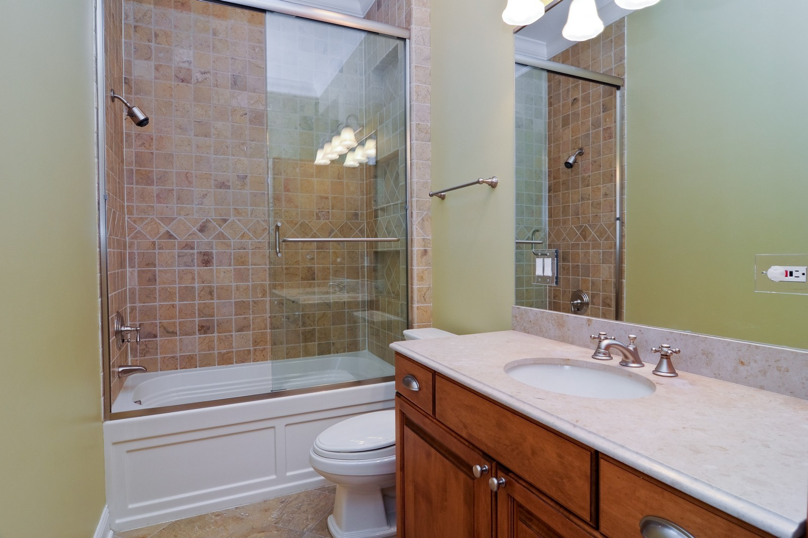 Real Estate Photography - 2247 N Clifton, Chicago, IL, 60614 - Bathroom