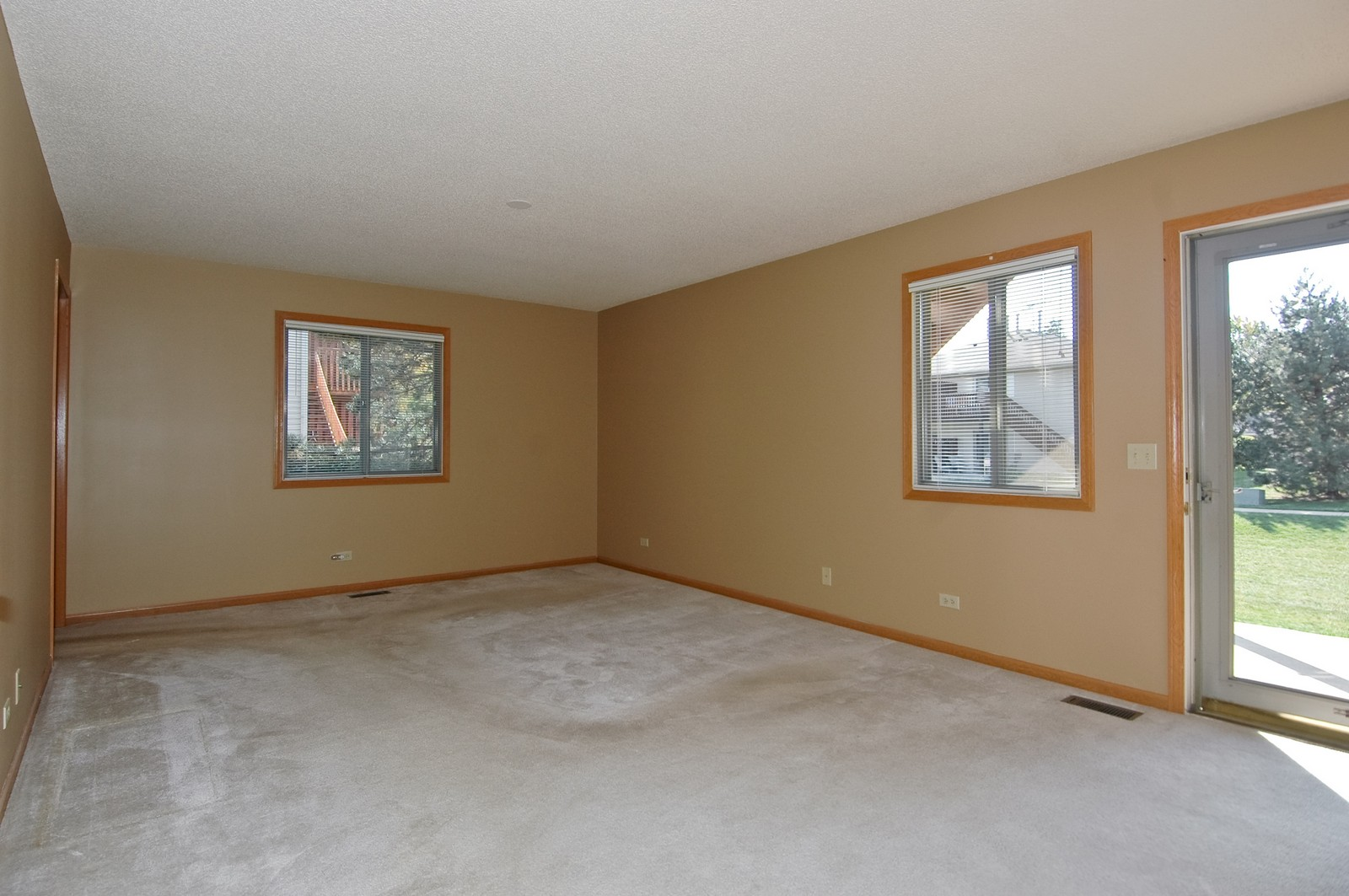 Real Estate Photography - 420 Westwood Ct, A, Crystal Lake, IL, 60014 - Master Bedroom