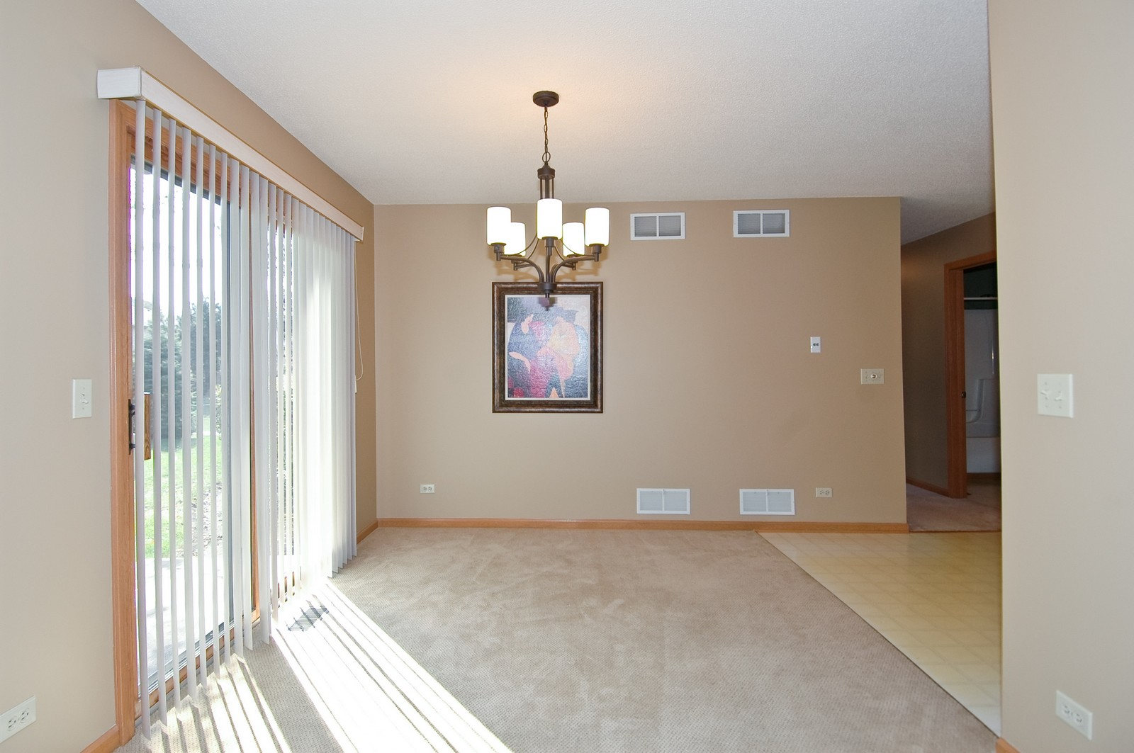 Real Estate Photography - 420 Westwood Ct, A, Crystal Lake, IL, 60014 - Dining Room