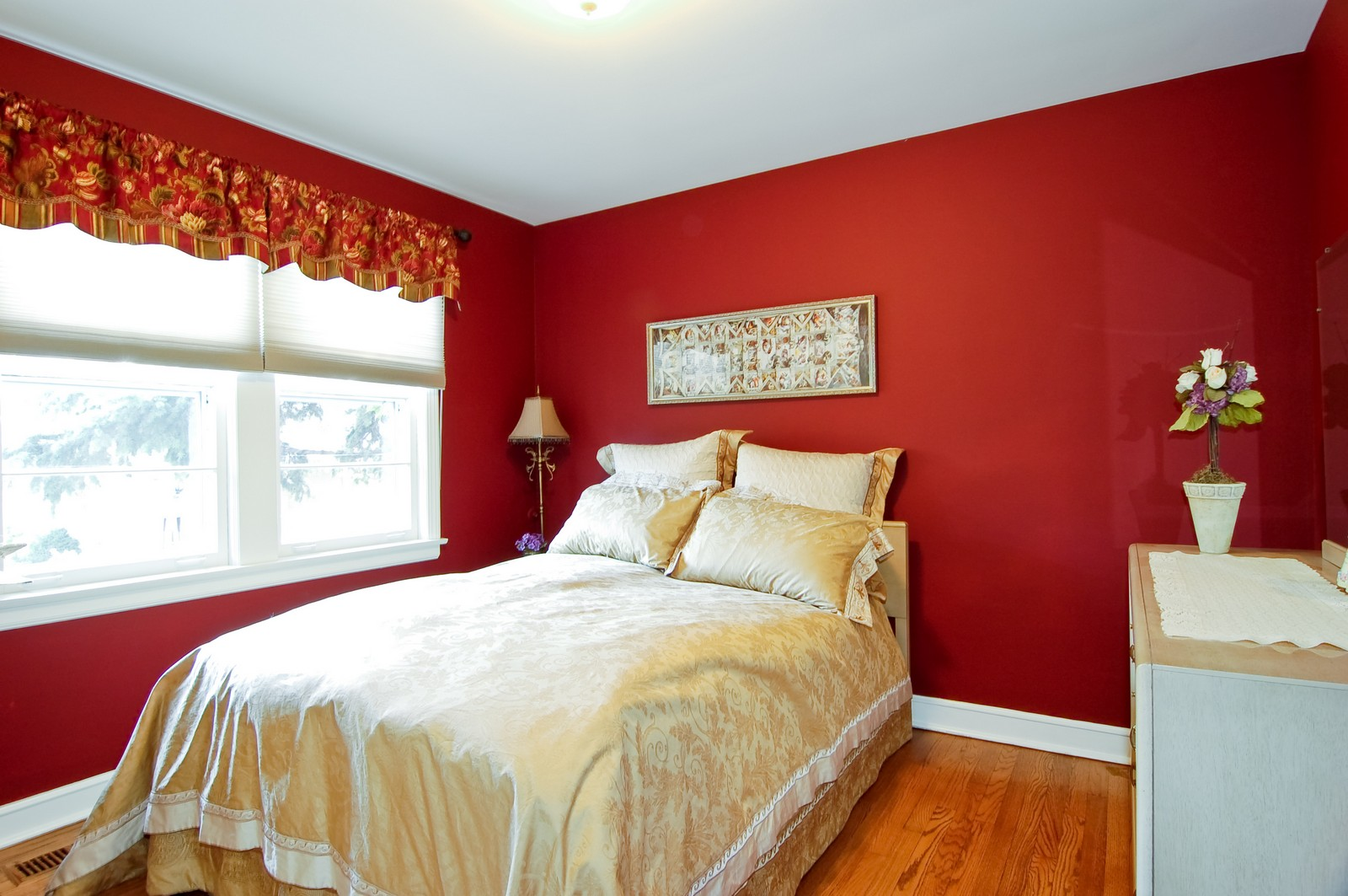 Real Estate Photography - 1025 S Ashland, LaGrange, IL, 60525 - Bedroom