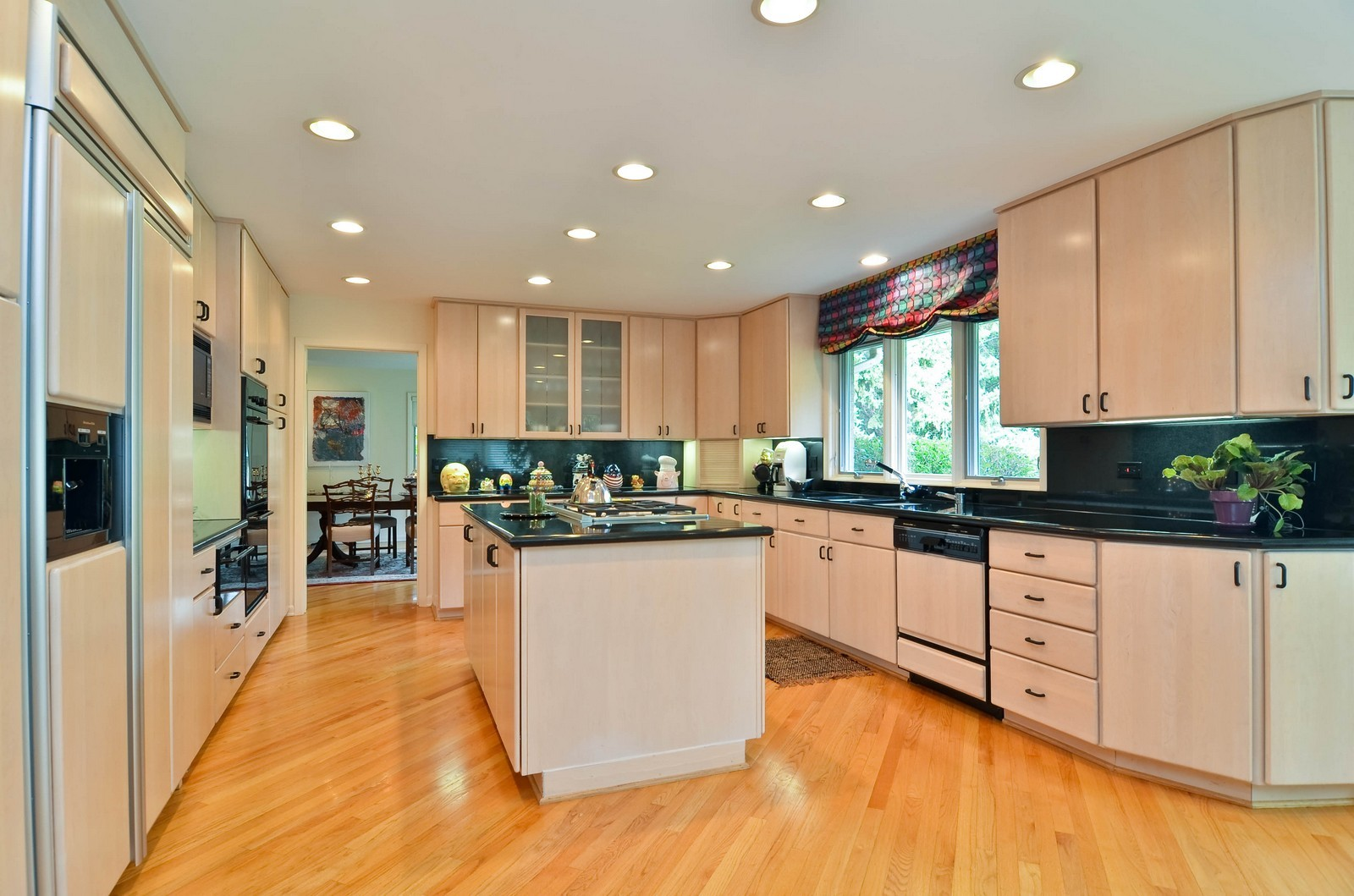 Real Estate Photography - 2265 Cedar, Northbrook, IL, 60062 - Kitchen
