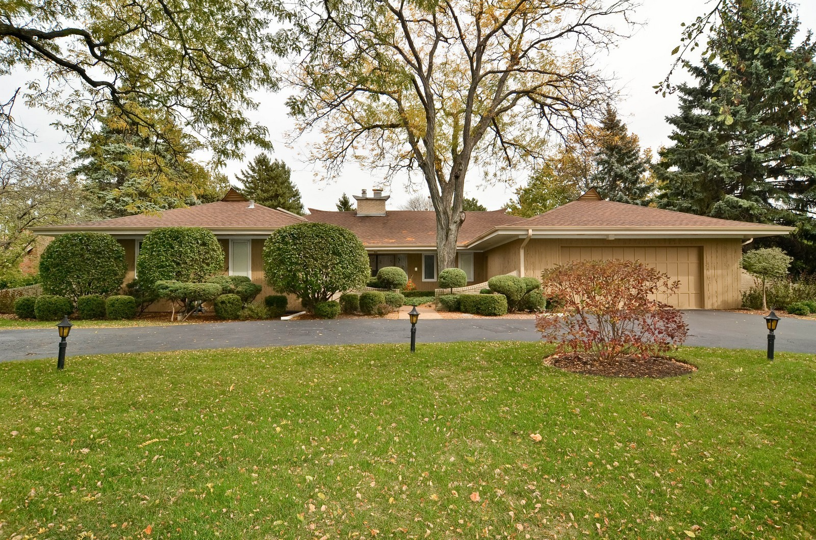 Real Estate Photography - 2265 Cedar, Northbrook, IL, 60062 - Front View