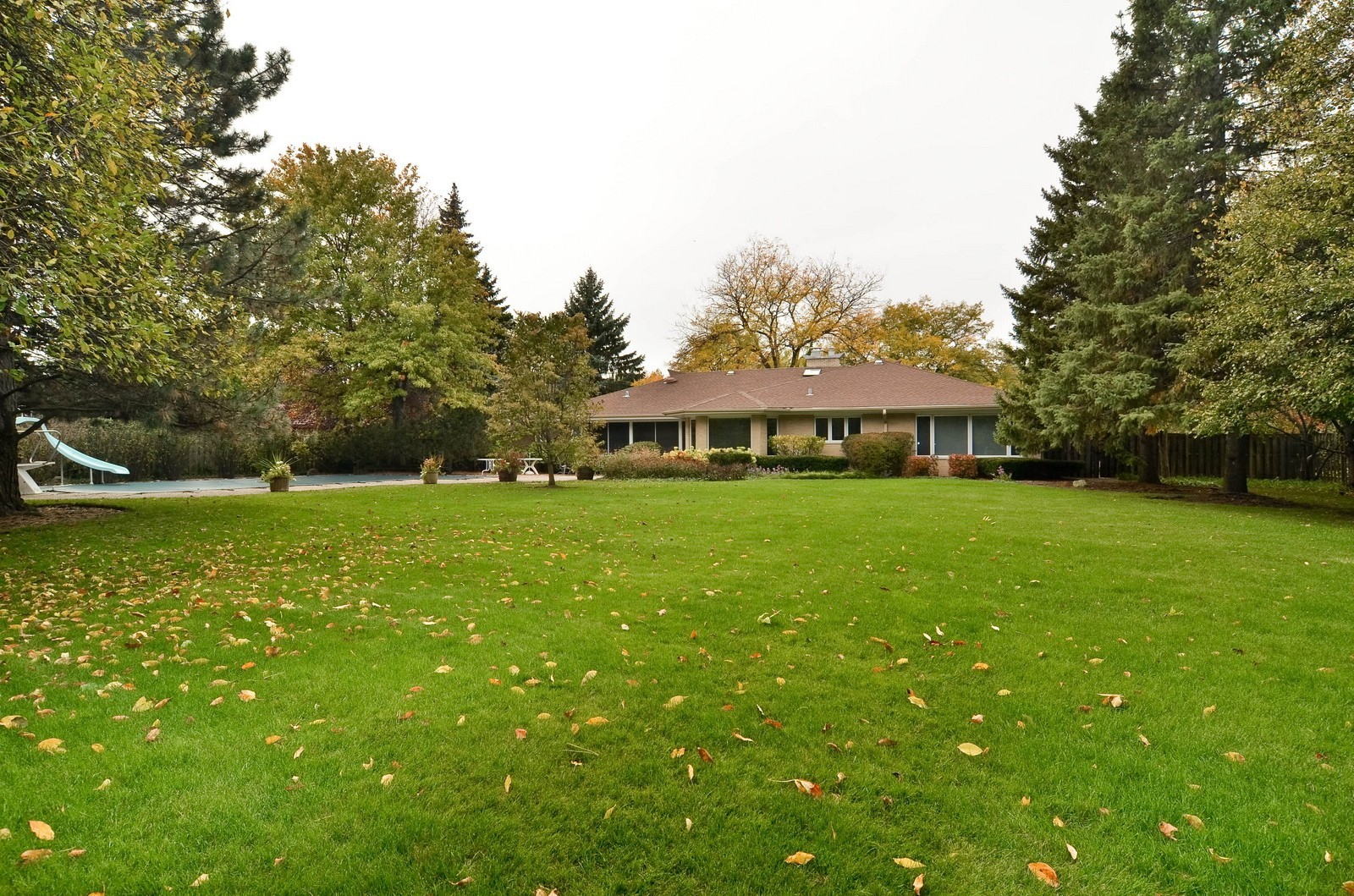 Real Estate Photography - 2265 Cedar, Northbrook, IL, 60062 - Rear View