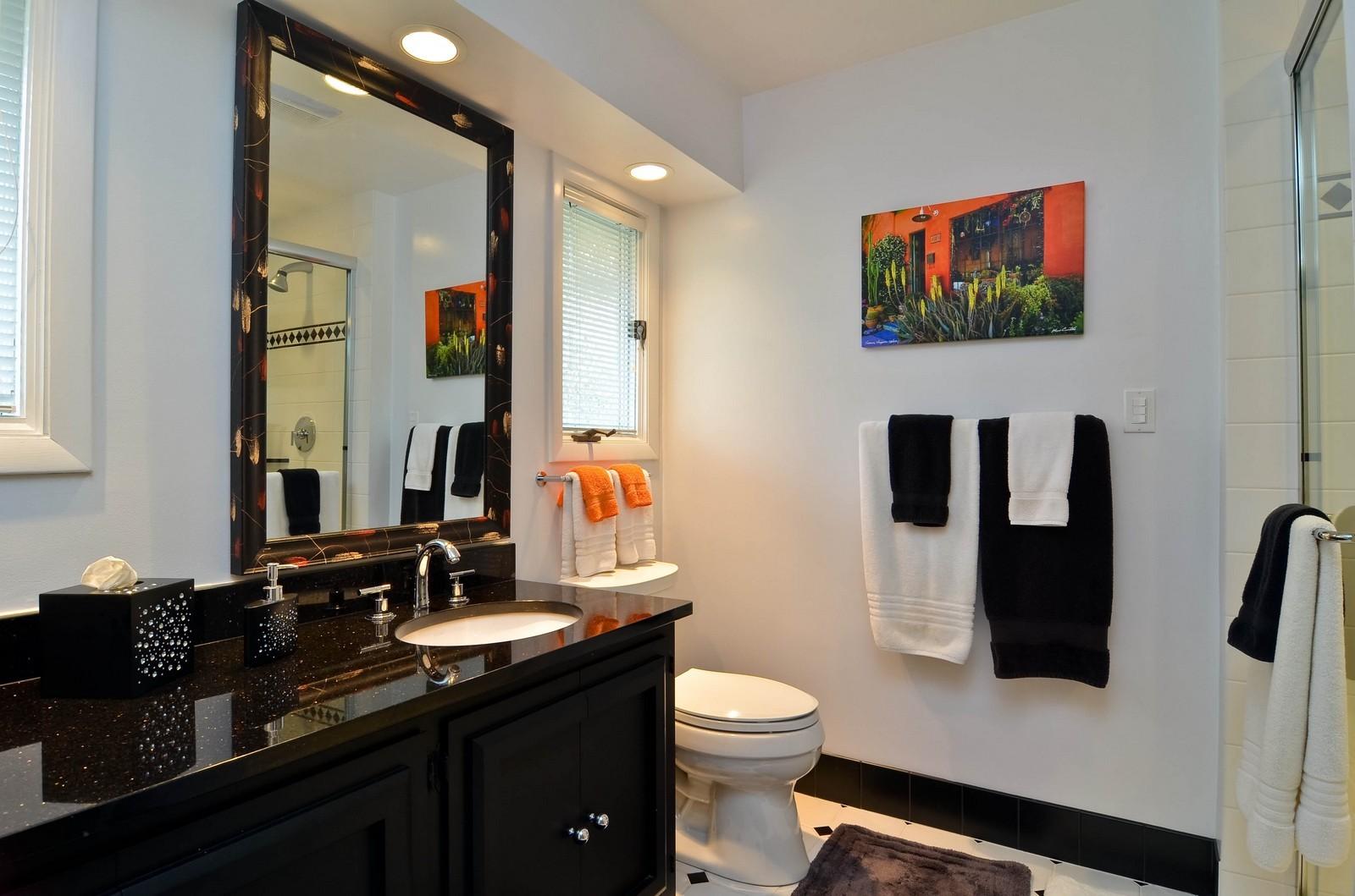 Real Estate Photography - 2265 Cedar, Northbrook, IL, 60062 - Bathroom