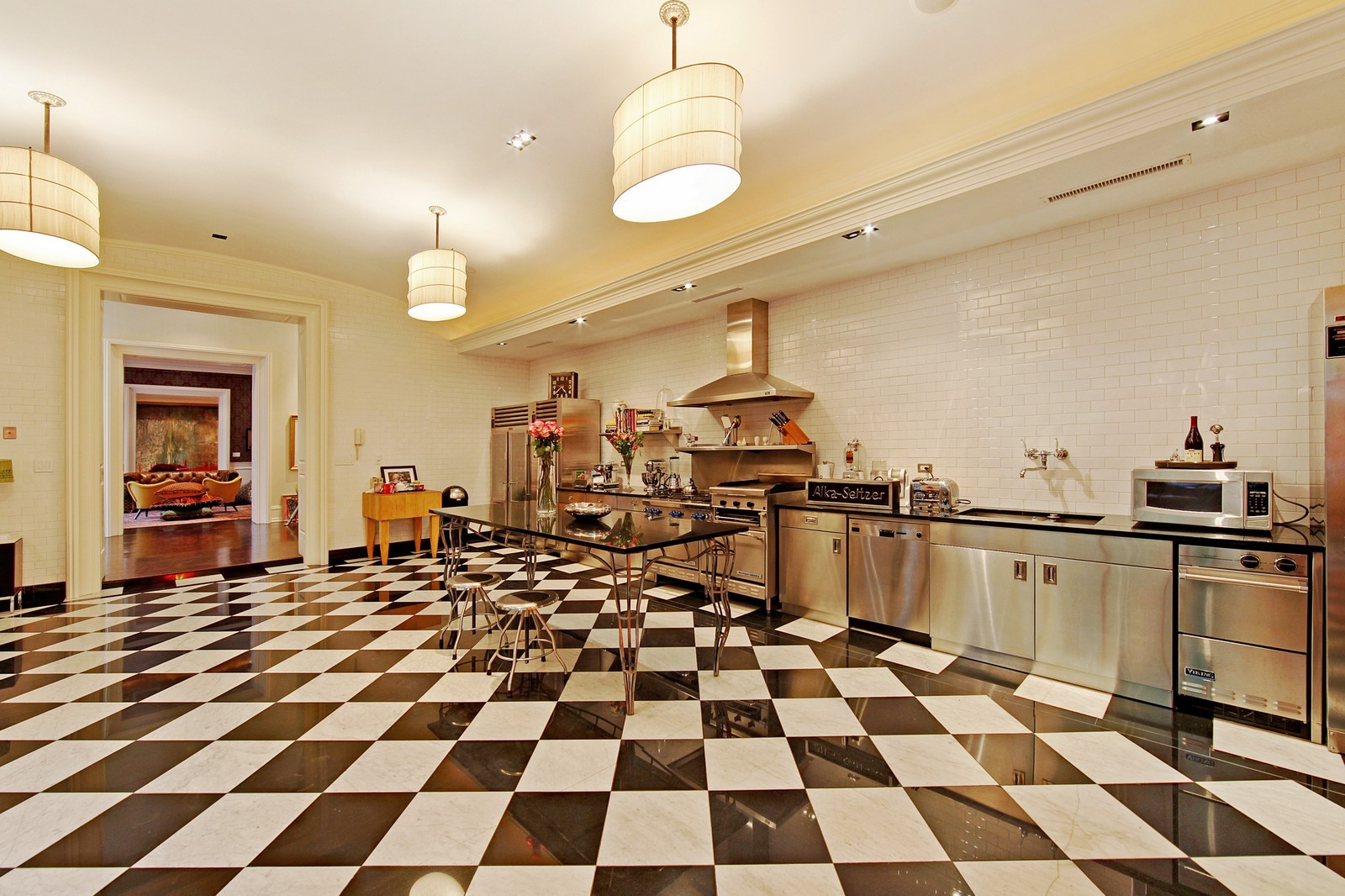 Real Estate Photography - 1424 W Ohio St, Chicago, IL, 60622 - Kitchen