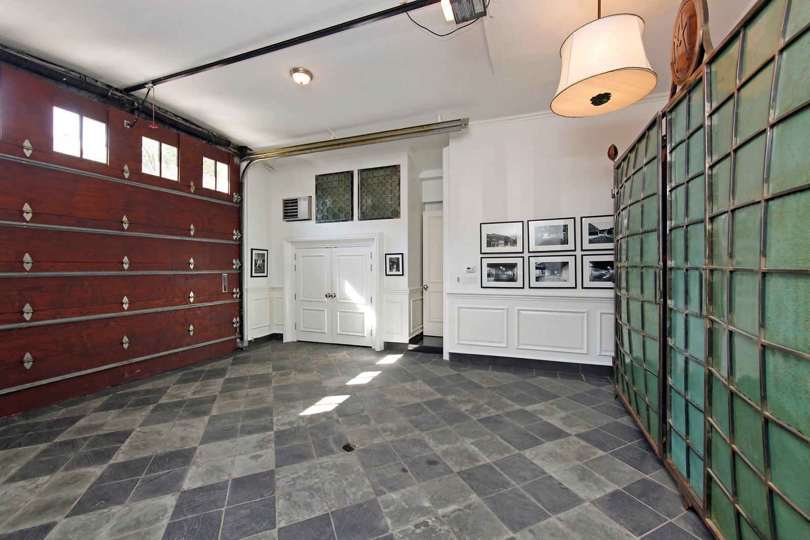 Real Estate Photography - 1424 W Ohio St, Chicago, IL, 60622 - Parking Garage