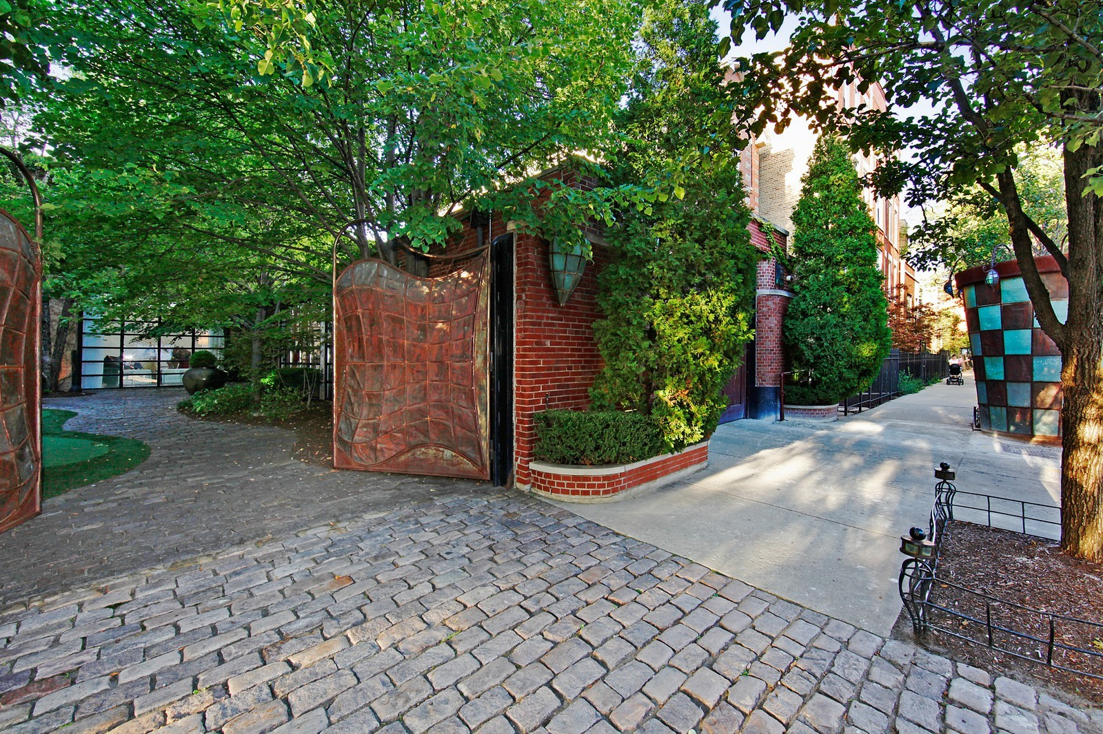 Real Estate Photography - 1424 W Ohio St, Chicago, IL, 60622 - Front View