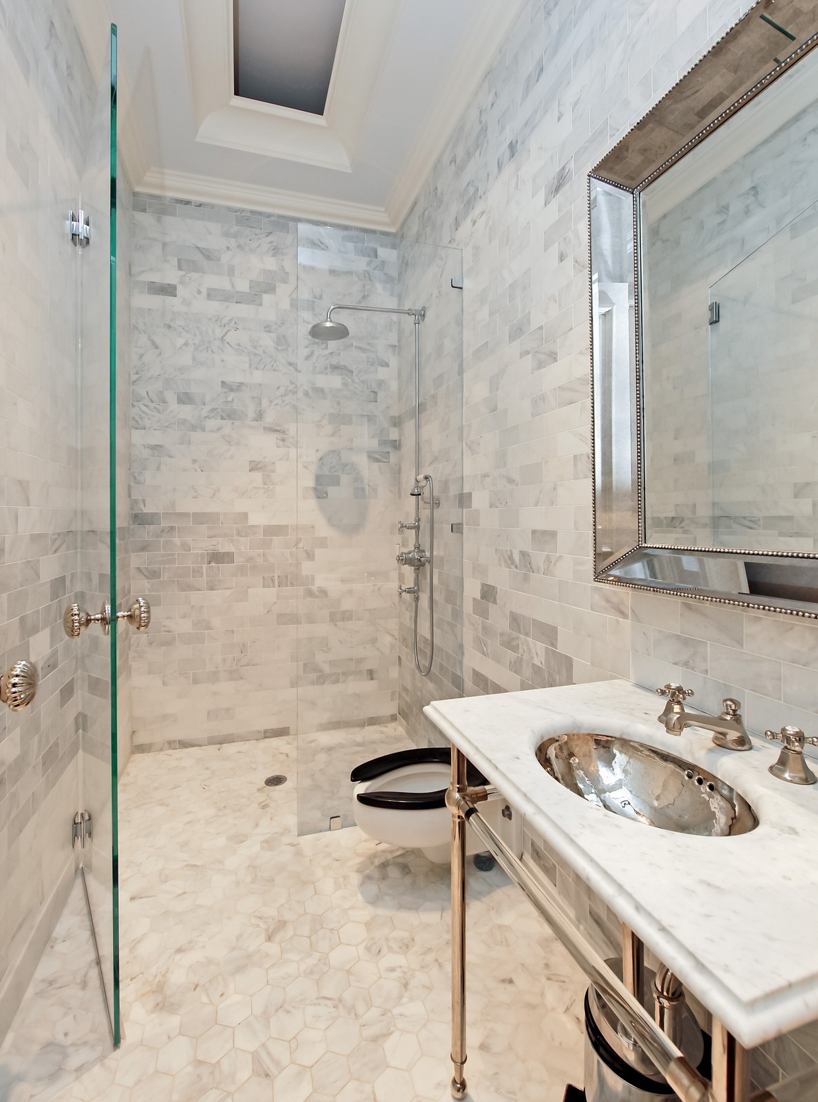 Real Estate Photography - 1424 W Ohio St, Chicago, IL, 60622 - Bathroom
