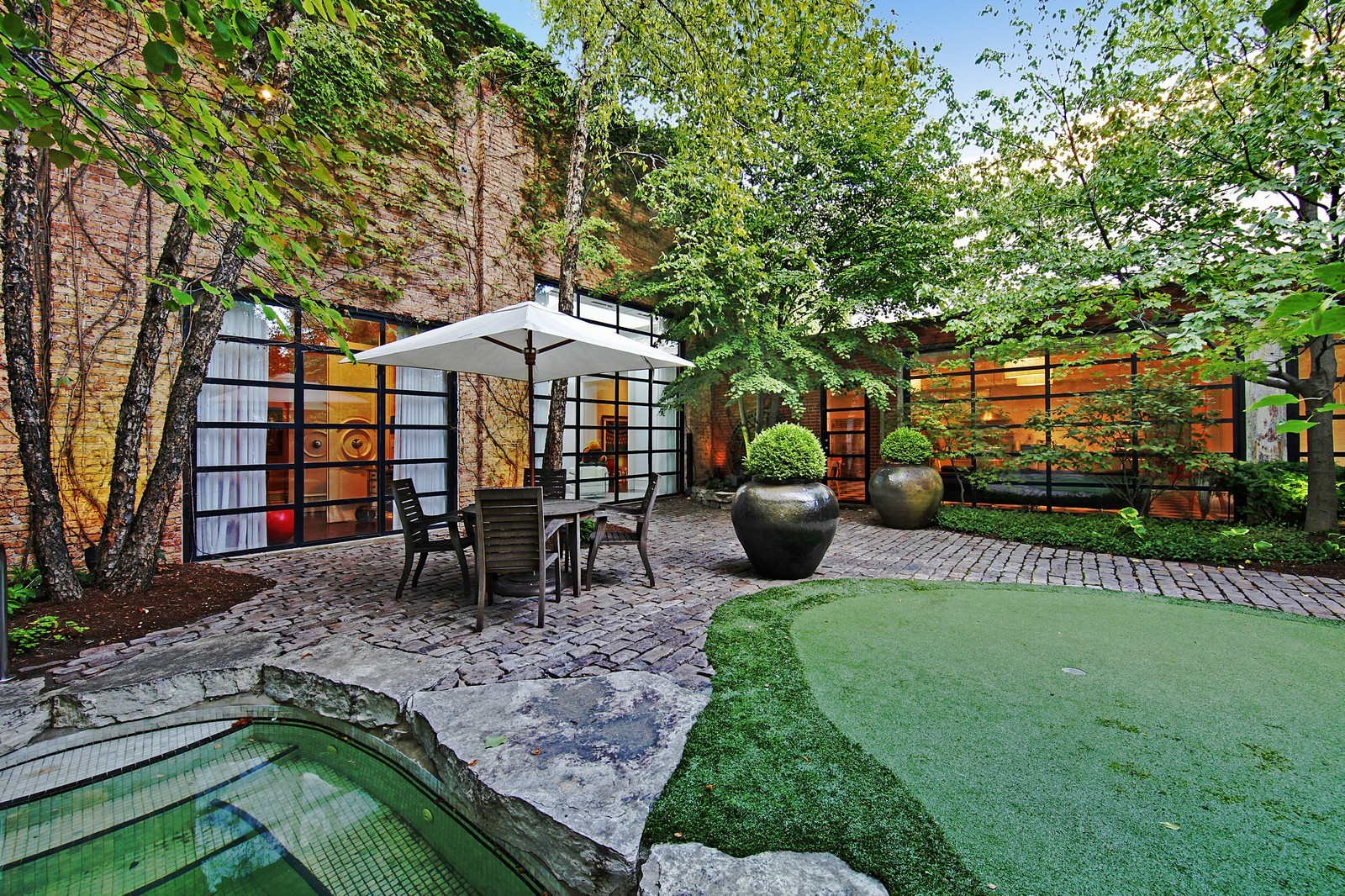 Real Estate Photography - 1424 W Ohio St, Chicago, IL, 60622 - Patio