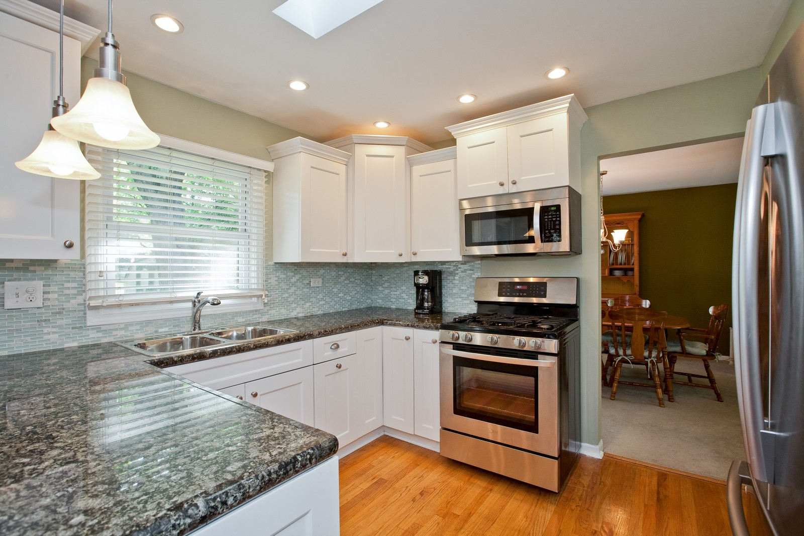 Real Estate Photography - 6511 Terrace, Downers Grove, IL, 60516 - Kitchen