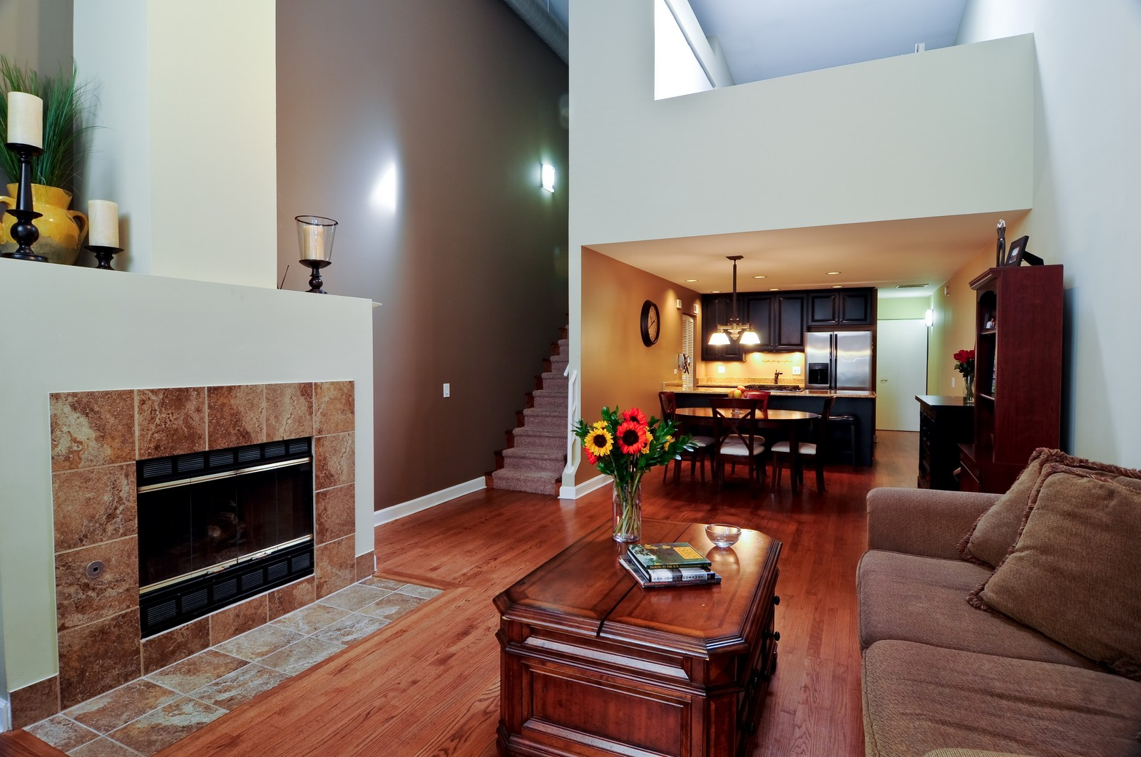 Real Estate Photography - 1100 West Cornelia, #126, Chicago, IL, 60657 - Living Room