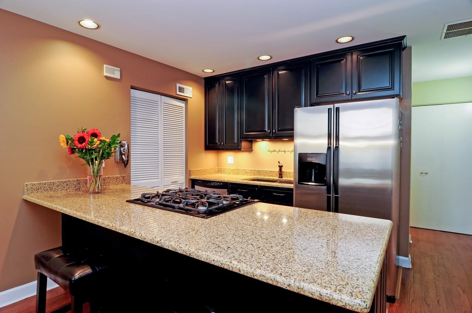 Real Estate Photography - 1100 West Cornelia, #126, Chicago, IL, 60657 - Kitchen