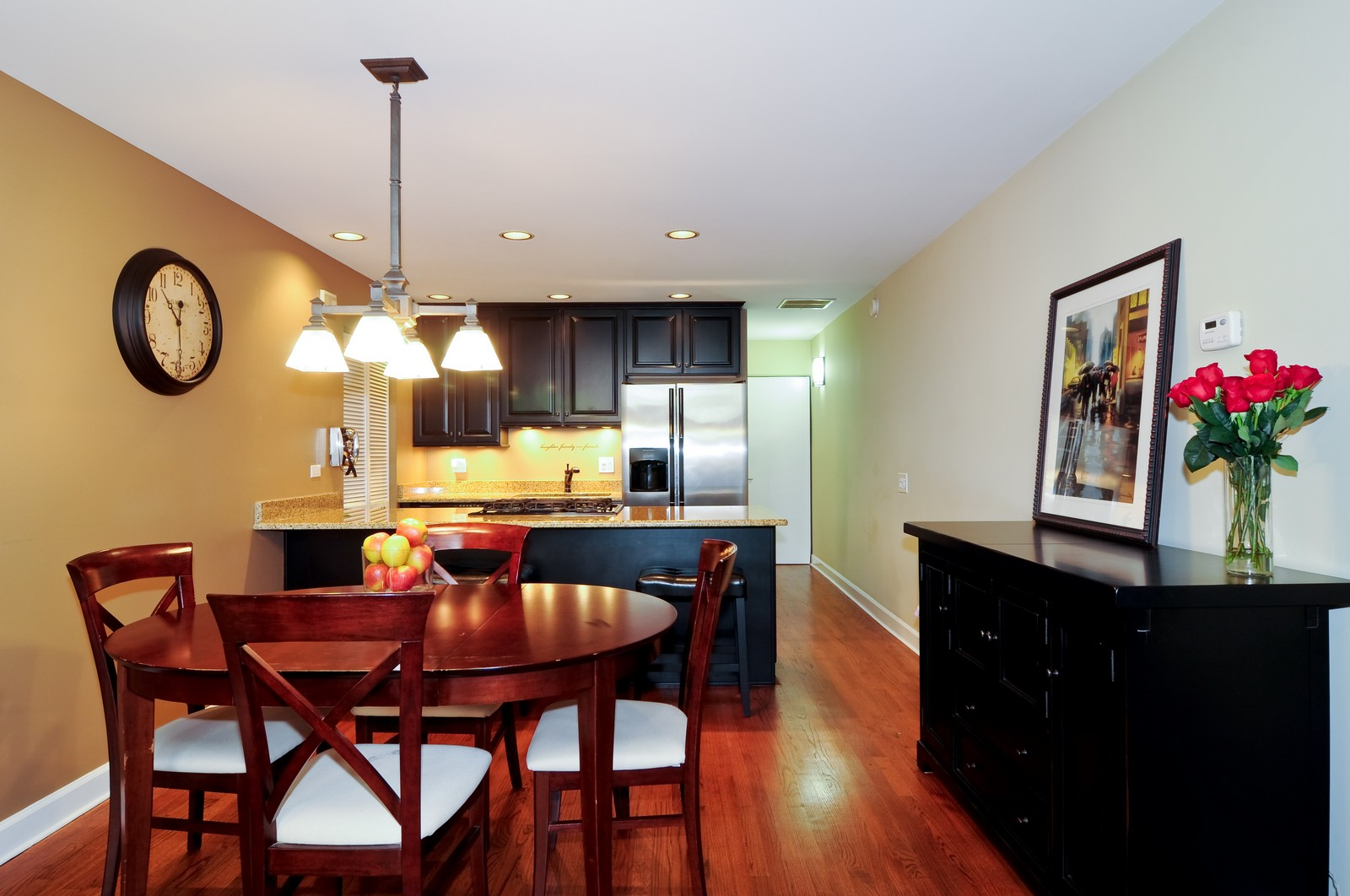 Real Estate Photography - 1100 West Cornelia, #126, Chicago, IL, 60657 - Kitchen / Dining Room
