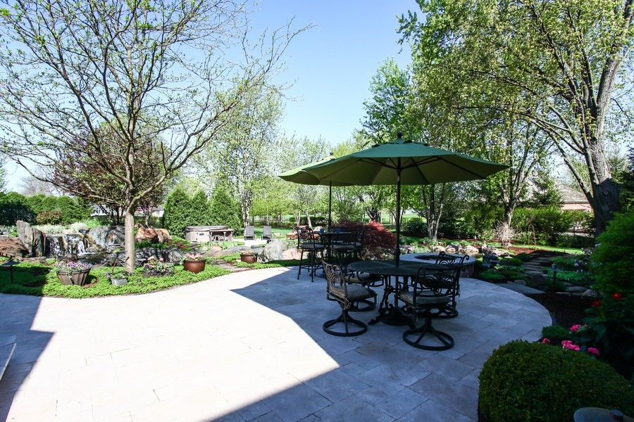 Real Estate Photography - 8S235 Murray Dr, Naperville, IL, 60540 - Patio
